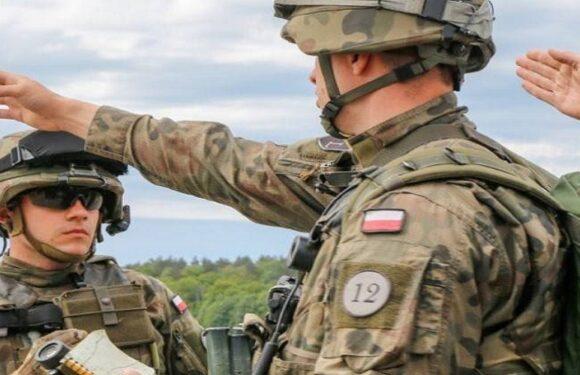 Польща відправить на польсько-білоруський кордон ще 500 військових
