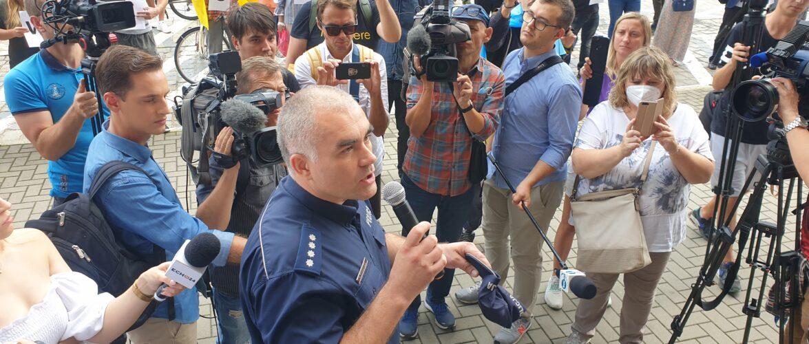 Смерть Дмитра Нікіфоренка: українці влаштували протест біля поліції (ФОТОГАЛЕРЕЯ, ВІДЕО)