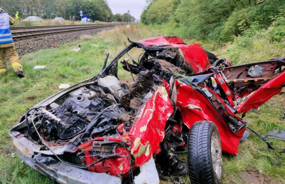 В Польщі жінка в'їхала автівкою під потяг і самотужки врятувала двох дітей від смерті