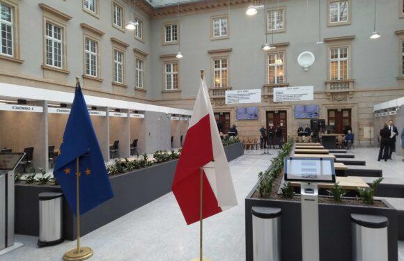 Роботу інфолінії для іноземців у Вроцлаві продовжать до кінця 2021 року – заплатить DUW