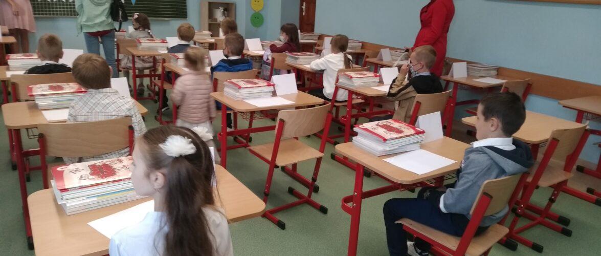 У Польських школах не вистачає понад 10 000 вчителів