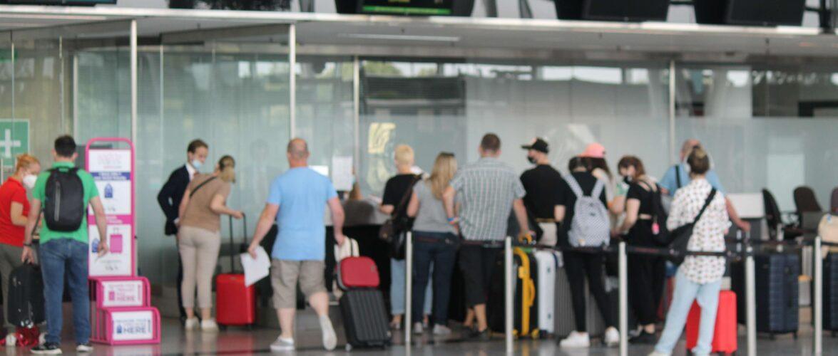 Штраф або в'язниця: в аеропорту Польщі затримали українця, який раніше не сплатив штраф