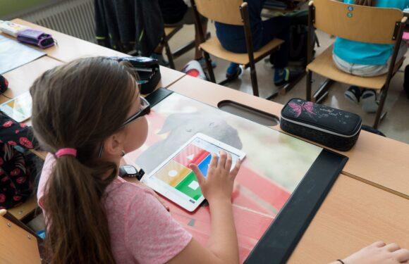 В Польщі 230 дітей відправили на карантин, бо вчителі не вакцинувалися