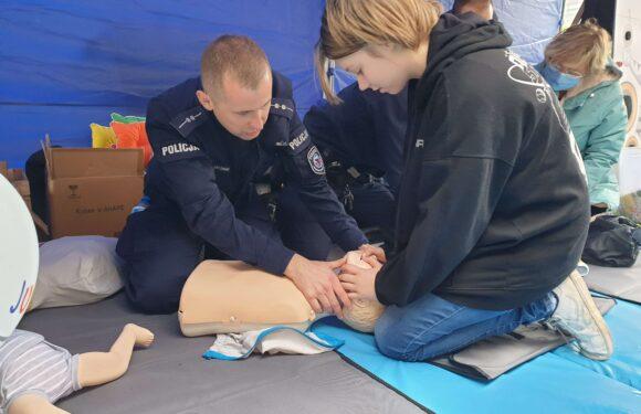 У Вроцлаві поліція навчала, як надати першу допомогу (ФОТО)