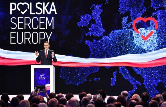 Моравецький заявив, що Польща не збирається виходити з ЄС