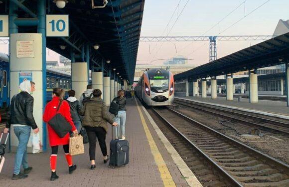 Сьогодні Україна відновлює залізничне сполучення з Польщею