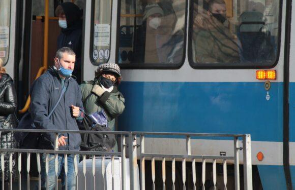 МОЗ Польщі: маски нікуди не зникнуть