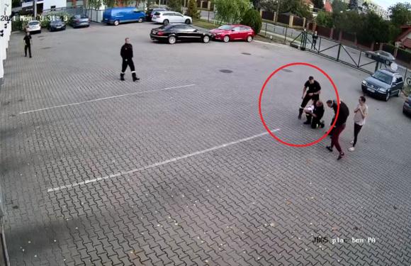 В Польщі пожежники врятували життя річній дитині: хлопчик ледь не захлинувся [+ВІДЕО]