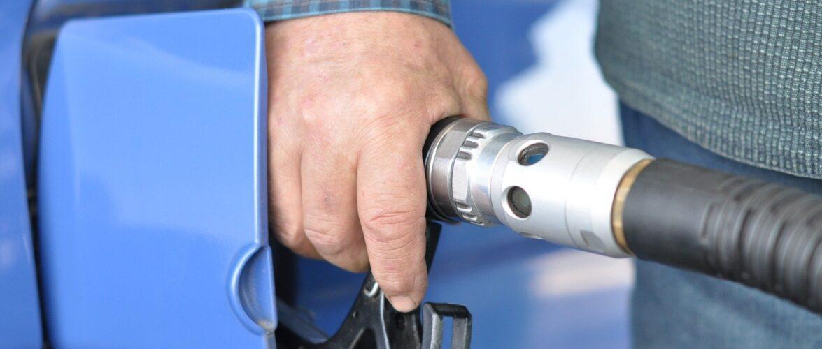 В Польщі стрімко зросла ціна на бензин: А-98 коштує 6 злотих