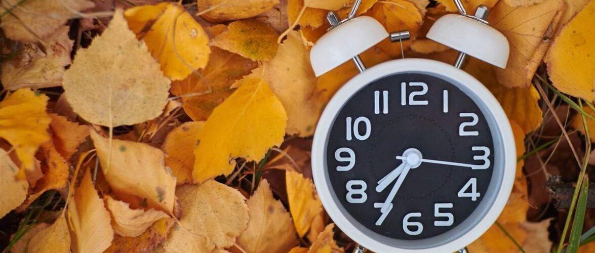 Коли в Польщі слід перевести годинники з літнього на зимовий час?