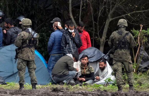 Польща відправила на кордон з Білоруссю чергову гуманітарну допомогу